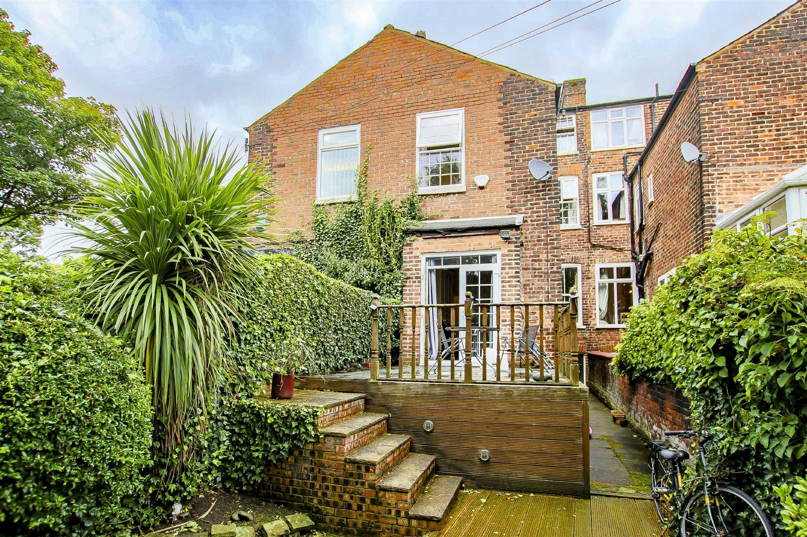 5 Bedroom Terraced House For Sale - Image 10